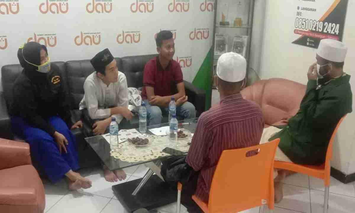 Melalui Shalawat,  Seorang Anak SMP BerikrarMasuk Islam di Kantor LAZDAU